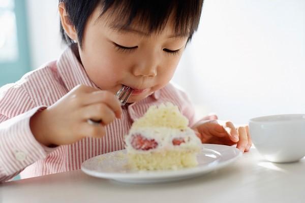 Tạm biệt chứng biếng ăn, ốm vặt ở trẻ